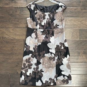 AGB Sleeveless Floral Shift Dress Size 12